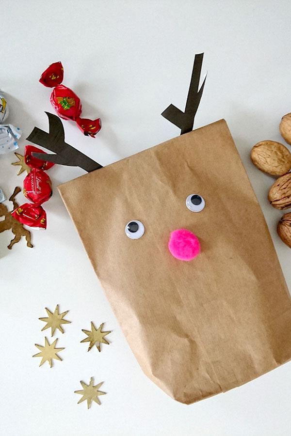 Rudolph-rotnasiges-rentier-geschenkverpackung-weihnachten