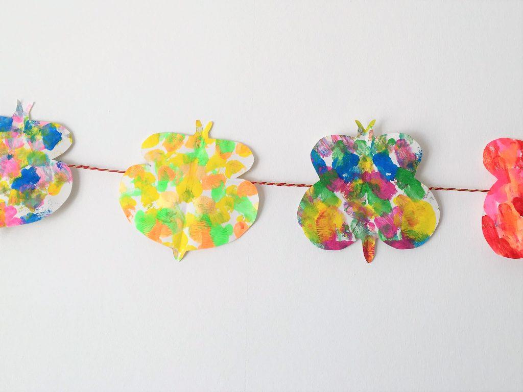 Bild für Farbenfrohe Schmetterlings-Girlande